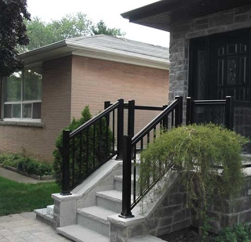 Aluminum-Glass-Railing-Installation-in-private-house-in-New-Market by Aluminum Windows Toronto